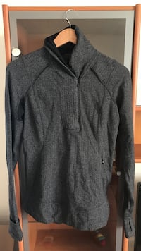 Lululemon warm, charcoal grey top