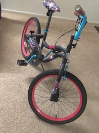 Monster high 21 inch girls cycle in good condition