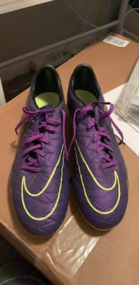 Never wore Nike cleats. Size 11