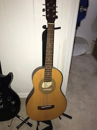 brown and black acoustic guitar Lombard, 60148