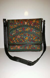 Vintage purse that is hand stitched  Toronto, M6M 1T1