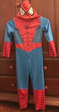 Halloween costume/two in one reversible SpiderMan -regular and DarkSide SpiderMan-youth small$10 Bryn Mawr, 19010