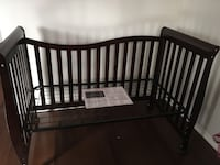 Wooden Crib and Toddler Bed (with unused Sealy Mattress) Mississauga, L5L 5N2
