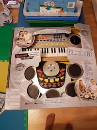 grey electric keyboard and drum set in box Innisfil, L9S 1J2