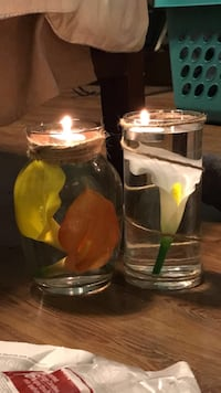 two clear glass candle holders Ocala, 34474