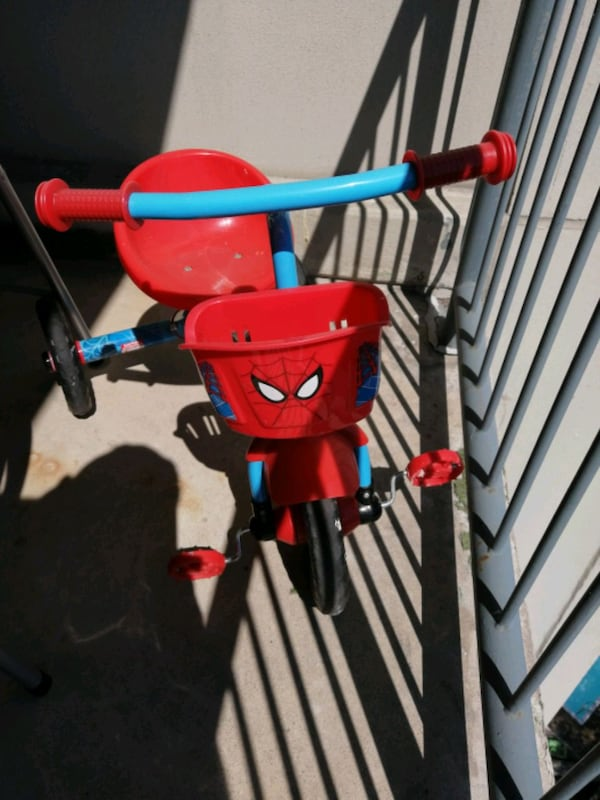 Spiderman bicycle 8ea852c4-e8c2-450f-9a54-8101b491b05f