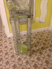 Mirrored side table  Ellicott City, 21042