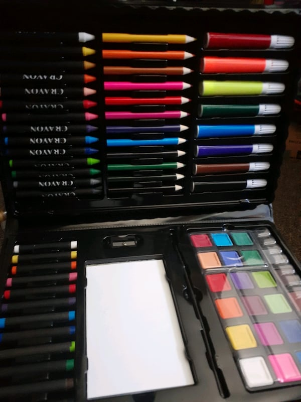 Art kit 100pc!! New need gone! :) fundraiser for a good cause! b48ca95b-9d2f-4b3a-8625-73a607f21cfc
