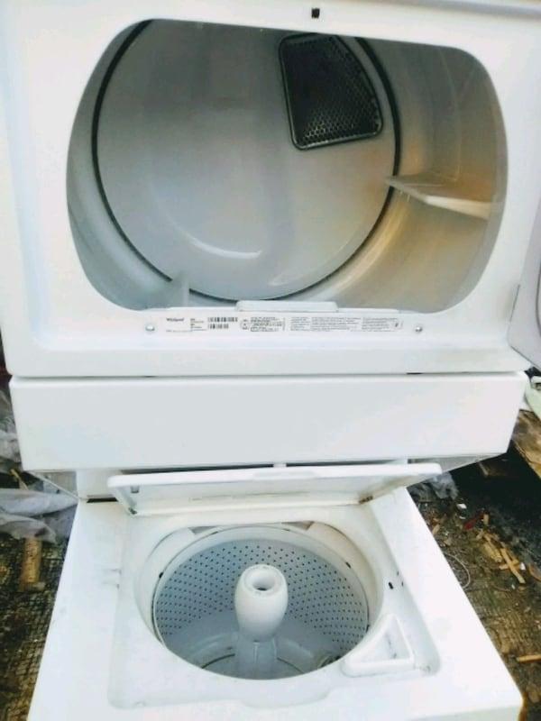 Washer and dryer 61e8039c-db73-4492-a92c-834c08cbd9c0