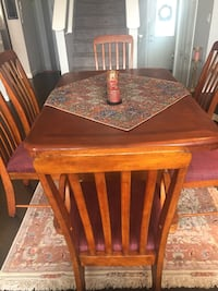 Beautiful Solid Dining Table with 6 Chairs Calgary, T2X