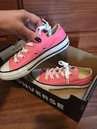 Brand new girls size 12 converse  Barrie, L4N 9Z3