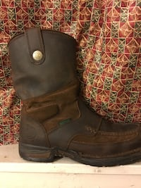 Pair of black leather boots Wichita, 67211