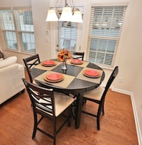Circular Dining Room Table with 4 chairs