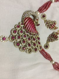 Gold and pink beaded necklace Jaipur, 302021
