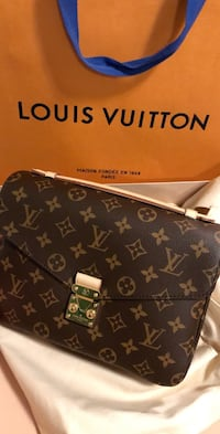 *brand new, authentic* Louis Vuitton Pochette Métis Coquitlam, V3J 5J9