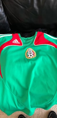 Green and red nike jersey shirt Redwood City, 94065