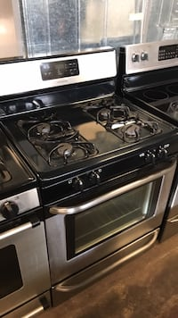 Frigidaire stainless steel gas stove 4 months warranty  Baltimore, 21230