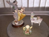 Lot 3 figurines resin -firm price Calgary, T3E 6L9