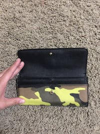 Black and green camouflage micheal kors wallet MK Kingsburg, 93631