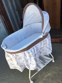 Bassinet brown and ivory  Topeka, 66614