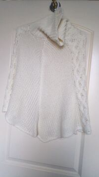New poncho for young girls soft and beautiful Surrey, V3V 1B4