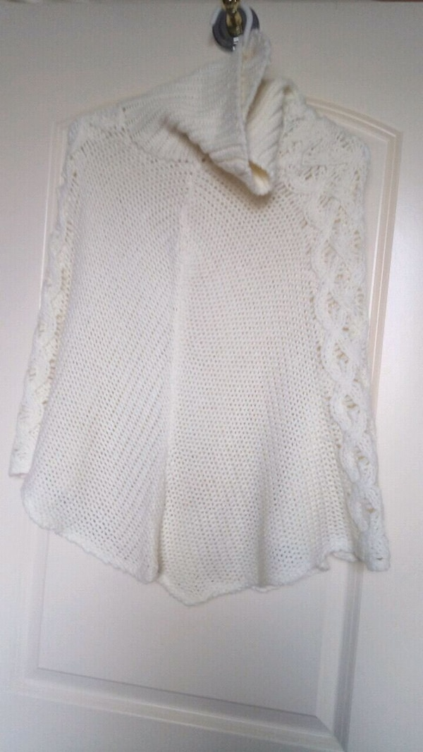 New poncho for young girls soft and beautiful 801b99b4-4315-4acb-9f7a-a65fd5c1de1a