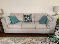 Sofa and love seat set in excellent condition  29 km