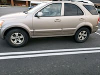Kia  Sorento EX 4x4 top of the line loaded. 109k  Ashburn, 20147