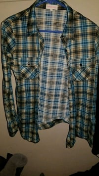 green, blue, and tan flannel Lincoln, 95648