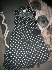 Bran new polka dot dress .  Victoria, V9C