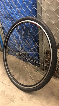 like new bicycle tire    Los Angeles, 90293