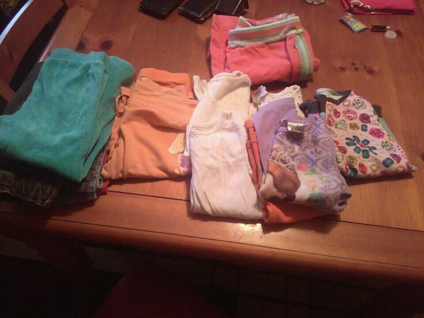 4 t little girls clothes 3pairs jeans, 5 shirts