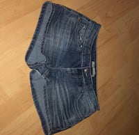 Juniors size 5 shorts Knoxville, 37938