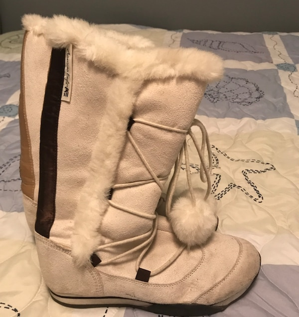 5298139fe3258 Adorable pair of women's off white boots with balls! EUC! Size 7