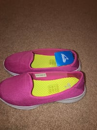 Power Shoes Brand New. Size 10 (41) Slip on
