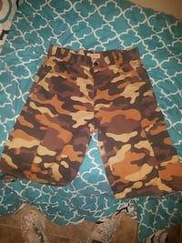 red and black camouflage shorts Ruston, 71270