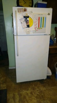 Refrigerator, washer, dryer 75$ each. Still using and need gone Jan.29