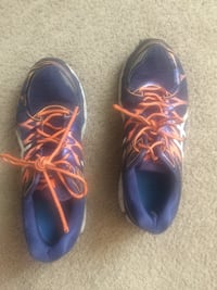 Men's size 12 runners  Ames, 50014