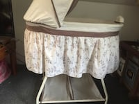 White and brown bassinet with wheels that locks Pittsburgh, 15210