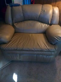 brown leather recliner sofa chair Smyrna, 37167