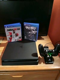 3 month old PS4.... NBA 2K18 & CALL OF DUTY GHOSTS
