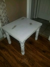 rectangular white wooden coffee table Port St. Lucie, 34953