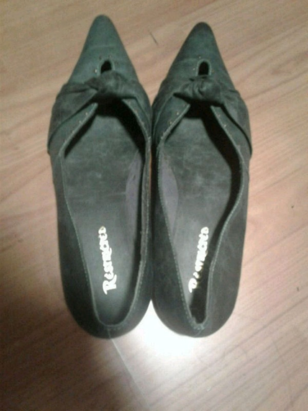 Restricted Flat shoes size 8