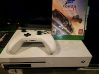 white Xbox One console with controller and game case Springfield, 22150