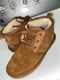 Men uggs Baltimore, 21206