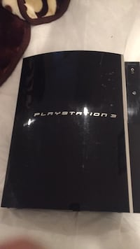 black Sony PS3 game console 561 km