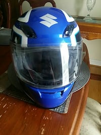 blue Suzuki full face helmet Clinton, 20735