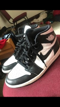 Black/White Retro 1s Fort Washington, 20744