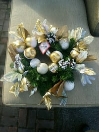 BEAUTIFUL HOLIDAY WREATH Berryville, 22656