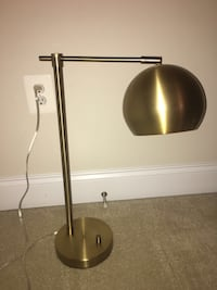 Desk lamp, hardly used like new Sterling, 20165